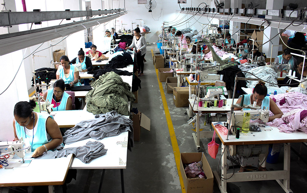 an analysis of the textile and clothing sector in japan India's textile and clothing industry is looking to push up exports to japan and in line with this the government is looking to help the indian textile trade and industry for better understanding of quality culture in japan.